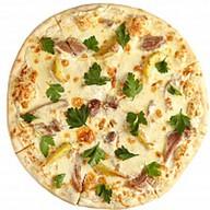 Пицца с томленой уткой,трюфельным соусом Фото