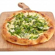 Неополитанская пицца с цукини и песто Фото