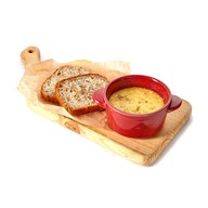Полента с сыром и злаковым хлебом Фото