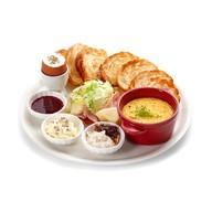 Итальянский завтрак с полентой Фото