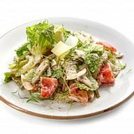 Салат из курицы с соусом тар-тар Фото