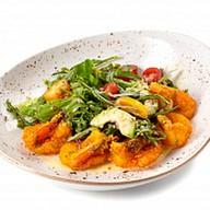 Салат с киноа, креветками и авокадо Фото