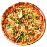 Пицца с грушей и сыром монт блю Фото