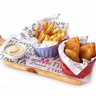 Куриные наггетсы с картофелем фри Фото