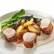 Свиная вырезка с молодым картофелем Фото