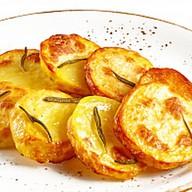Картофель, запеченный с розмарином Фото