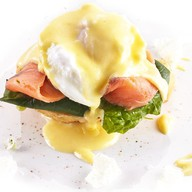 Яйцо Бенедикт на чиабатте с лососем Фото
