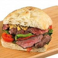 Итальянский сэндвич с ростбифом Фото