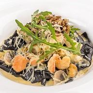 Открытая лазанья с морепродуктами Фото