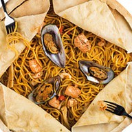 Спагетти с дарами моря на три персоны Фото
