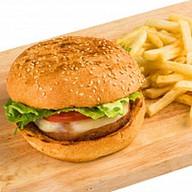 Бургер с куриной котлетой и фри Фото