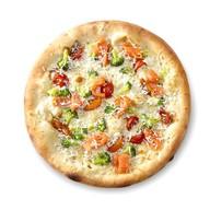 Пицца с лососем и сливочным соусом Фото