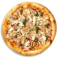 Пицца с цыпленком и соусом песто Фото