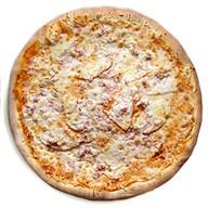 Пицца с ветчиной и индейкой Фото