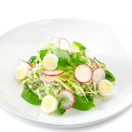Салат из молодой капусты, салата Кейл Фото