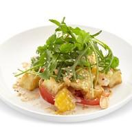 Салат с баклажанам, кунжутной заправкой Фото