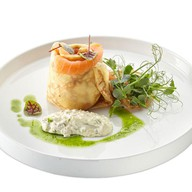 Блинчики с лососем и сливочным сыром Фото