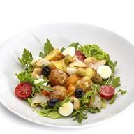 Теплый салат из масляной рыбы Фото