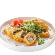 Жареный постный ролл с сыром тофу Фото