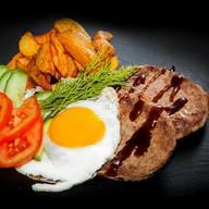 Бифштекс из говядины Фото