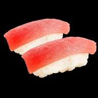 Суши тунец Фото