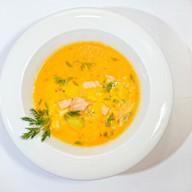 Нежно-белый супчик с лососем Фото