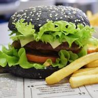 Black бургер с говядиной Фото