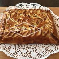 Пирог с яблоком и брусникой Фото