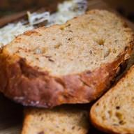 Цельнозерновой хлеб Фото