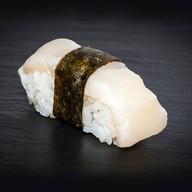 Суши морской гребешок Фото