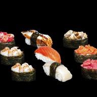 Ассорти суши Фото