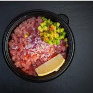 Тартар из тунца под соусом терияки Фото
