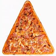 Пицца с ветчиной и вялеными томатами Фото