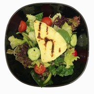 Греческий салат с домашней брынзой Фото