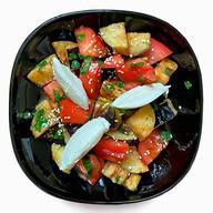 Салат с хрустящими баклажанами и сыром Фото