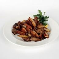 Говядина, жареная с картофелем Фото