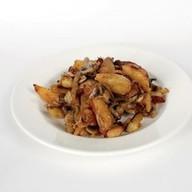 Картофель жаренный с грибами и луком Фото