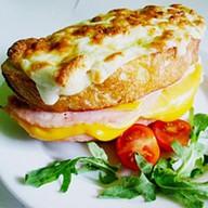 Французский бутерброд Крок месье Фото