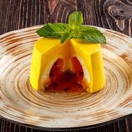 Пирожное манго-маракуйя Фото