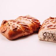 Пирог со свининой Хрюша Фото