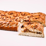 Пирог с яблоком, корицей и миндалем Фото