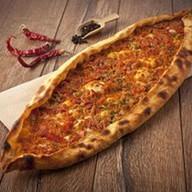 Пицца восточная с фаршем и жгучим перцем Фото