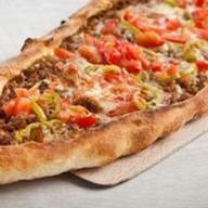 Пицца восточная по-турецки Фото