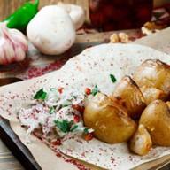 Картофель на мангале с курдючным салом Фото