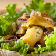 Ассорти из маринованных грибов Фото