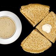 Завтрак с блинами Фото