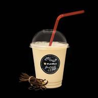 Молочный коктейль ванильный Фото