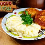 Куриная котлета с картофельным пюре Фото