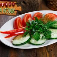 Свежие овощи гарнир Фото