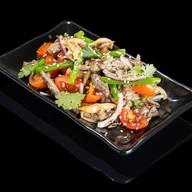 Азиатский салат с говядиной Фото